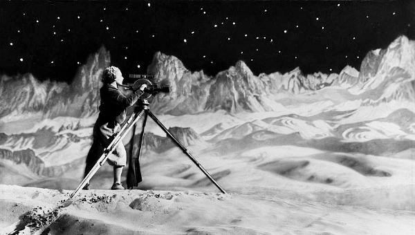 La mujer en la Luna