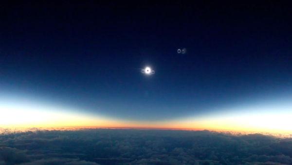 Eclipse desde un avión